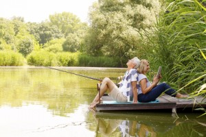 Couple relaxing by lake dreamstime_xs_58707946